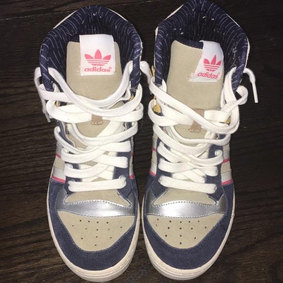 adidas Chaussures Chaussures adidas Throwback Poshmark 8fb76c